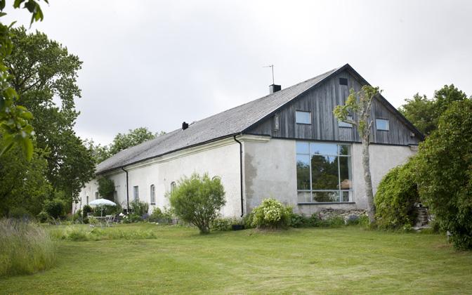 Paret Wallmarks hem och ateljeer vid Bläse, kalkstenskusten på Gotland.