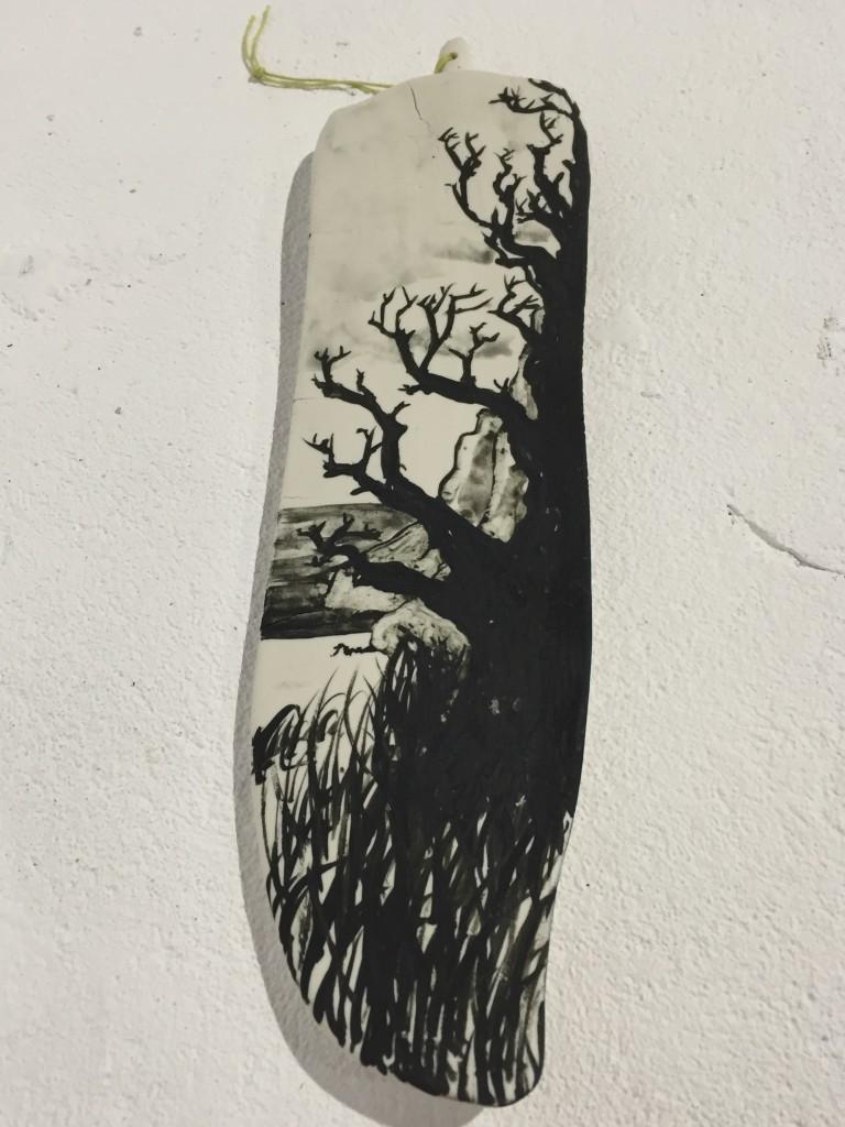 Gustaf Nordenskiöld-Unspecified object (misty trees), 2016. Porslin, oxidmåleri, textilrep.