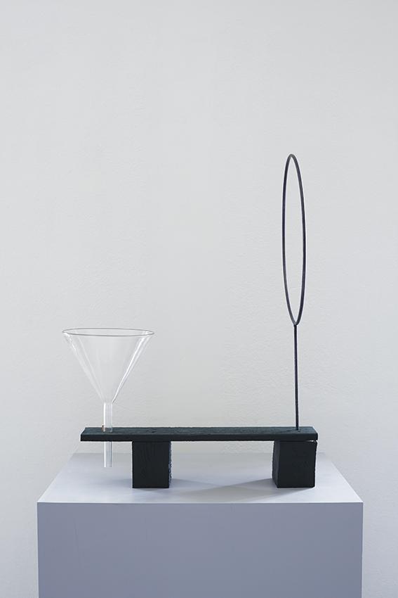 Jakob Solgren-Fältutrustning II, 2016. Trä, glas, metall, 66x46.5 cm