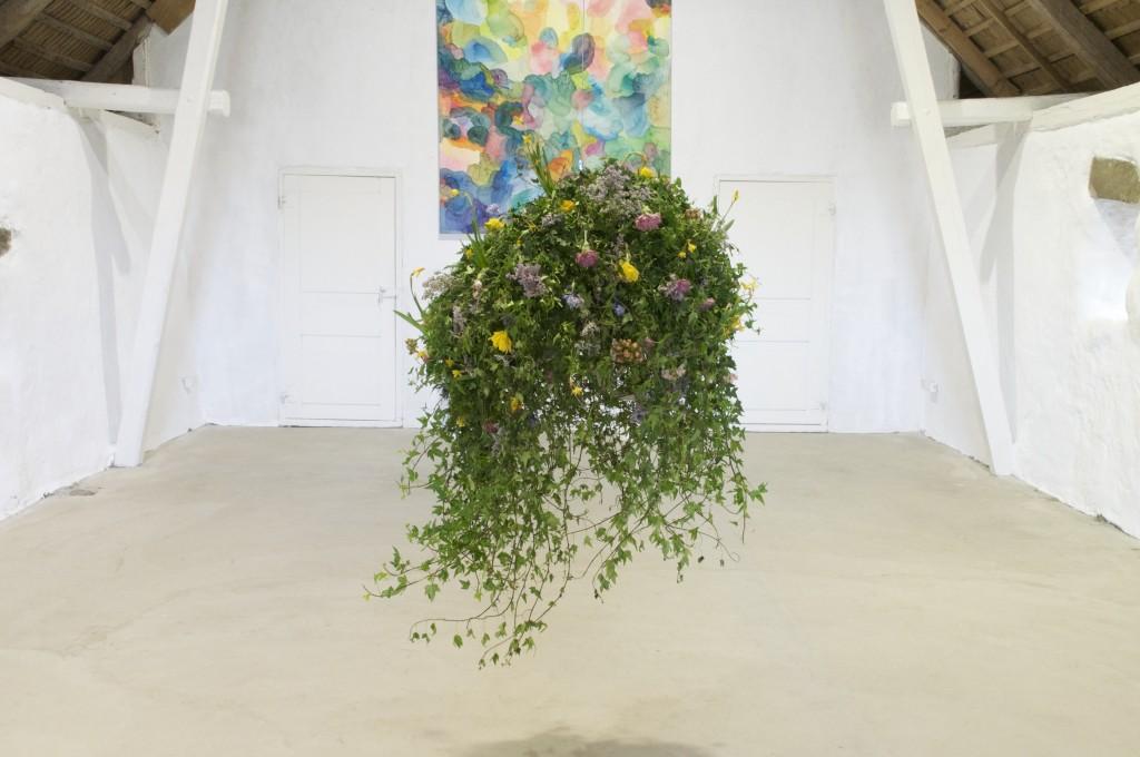 Blomsterglob, 2017. Diverse blommor och växter. Varierande dimensioner.