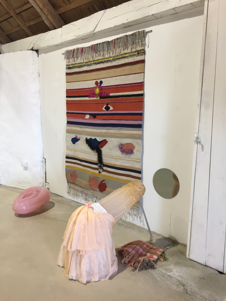 Installationsbild-Åsa Jungnelius: BAM, Snippa. Josefin Gäfvert: Road to baby.